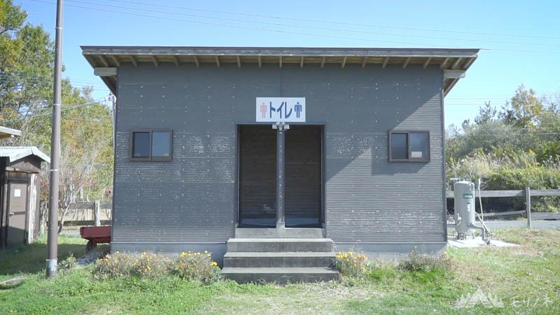 オートキャンプ場 高原の里 トイレ