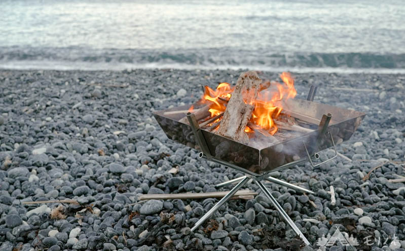 焚火台とは - キャンプで焚き火台が必要な理由