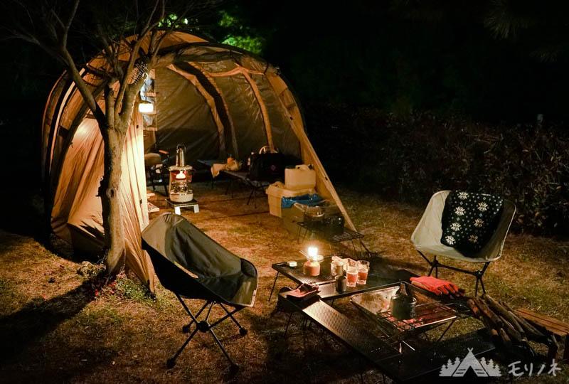 キャンプで焚き火台用のテーブルを使う